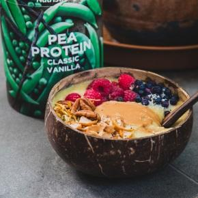 Maca Smoothie Bowl with Peanut Butter